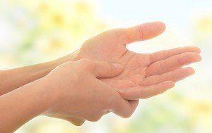 Dolores lo manos agudos causa que en las